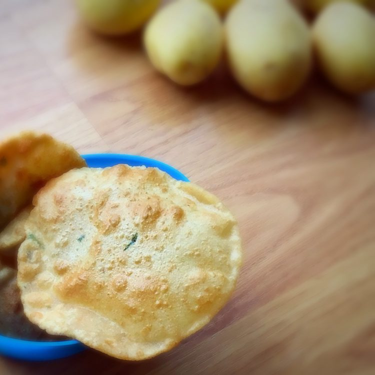 Aloo poori recipe, How to make aloo poori